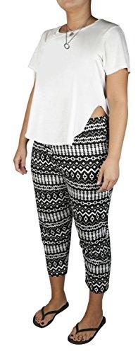 Lucy Diamonds Women's Plus Size Tapered Leg Pull-On Capri Pants (Black and White Print, 6X)