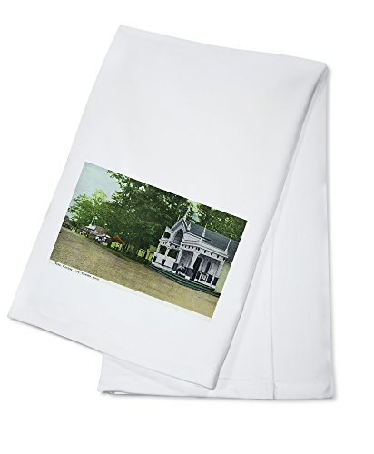 Canton, Ohio - View of Meyers Lake Pike (100% Cotton Kitchen Towel)
