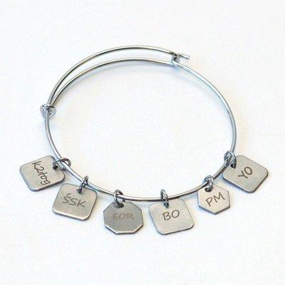 Skacel Knitting Stitch Marker Charm Bracelet with 6 Charms (M/L)