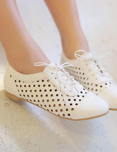 Heel Almond Round Donna 5 Njx Flat us5 Similpelle Casual Uk3 Shoes Eu36 Hug Bianco Richelieu Cn35 Toe Bianco 5 X8qnw10q