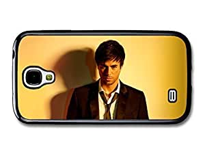 AMAF ? Accessories Enrique Iglesias Staring at Camera with Smart Outfit case for Samsung Galaxy S4