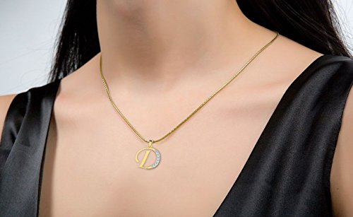 Or Jaune 18 ct Pendentifs Diamant en forme de Alphabet D, 0.13 Ct Diamant, GH-SI, 0.73 grammes.
