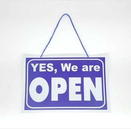 Letrero colgante elegante de abierto/cerrado, blanco y azul ...