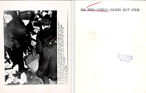New York City Hearns Dept Store Police Helping Woman 1954 Press Photo J81447