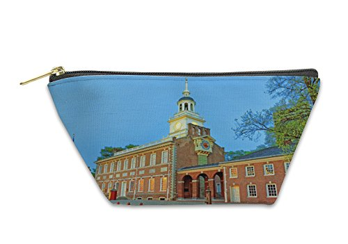 Gear New Accessory Zipper Pouch, Independence Hall In Chestnut Street In Philadelphia In The Even, Small, - Stores Philadelphia Street Chestnut