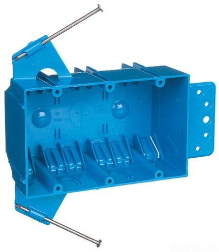 Carlon B344AB Switch/Outlet Box, New Work, 3 Gang, 5-5/8-Inch Length by 3-3/4-Inch Width by 2-11/16-Inch Depth, Blue by Thomas & Betts [並行輸入品] B018A183AY