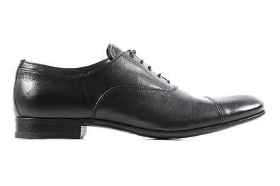 Prada chaussures à lacets classiques homme en cuir oxford noir ... 2b2d09453a1e