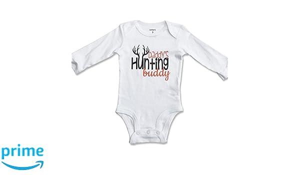 6128f567fe884 Amazon.com: Daddy's Hunting Buddy Onesie/One Piece Bodysuit (6 Month):  Clothing