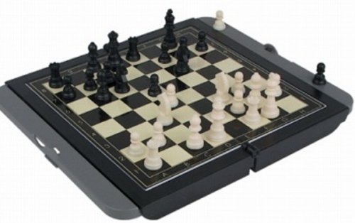 Toysmith MAGNETIC FOLDING CHESS