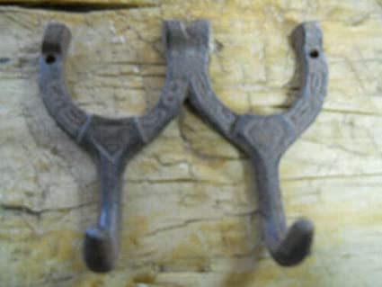 Set of 4 Ornate COAT Hat Wall HOOKS 4-1//2 rustic cast iron Antique Vintage style
