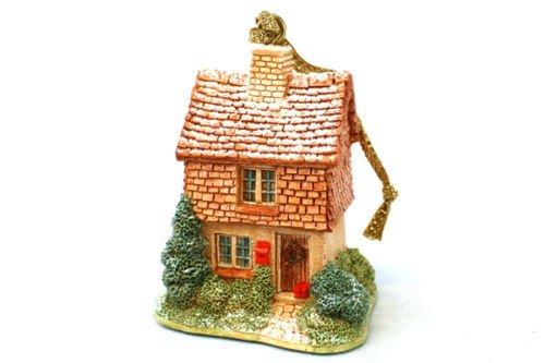Lilliput Lane ** Mistletoe Cottage Ornament ** LL009