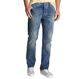 Wrangler   Regular Mid Rise Straight Leg Jean