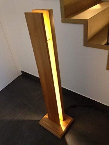 . wohnzimmerlampe holz. Schö ne Stehlampe mit LED-Leuchten in Zedernholz.