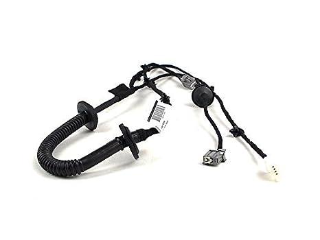 amazon com genuine volvo 30724788 trunk wiring harness automotive rh amazon com volvo v40 wiring harness volvo v40 wiring harness