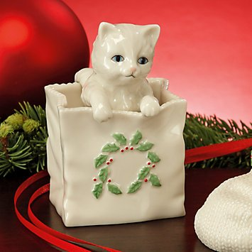 (Lenox China Kitty Cat in a Holly Shopping Bag Figurine Capture the Season )