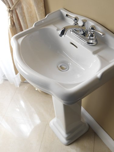 Barclay Products Limited B387 Stanford 460 Pedestal Bath Sink-Bisque