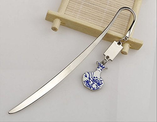 ue and White Porcelain Metal Bookmark Pendant (Vase shape flower pattern) ()