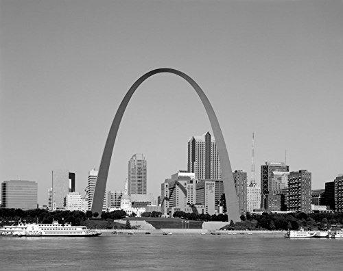 (1980 Photo Gateway Arch, or Gateway to the West, the centerpiece of the Jefferson National Expansion Memorial, St. Louis, Missouri Location: Missouri, Saint Louis)