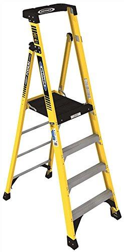 Werner CO PD7304 Type IAA Aluminum Podium Ladder - 4'