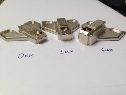 0mm Cabinet (Blum 175l Series 0,3,6mm Die Cast Screw on Face Frame Mounting Plates (0mm))
