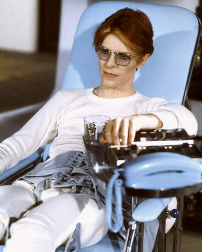 David Bowie in The Man Who Fell to Earth cool in sunglasses in chair 11x14 Aluminum Wall Art