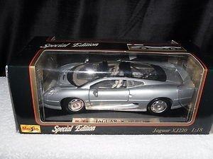 - Special Edition Silver Jaguar XJ220 1992 1:18 scale