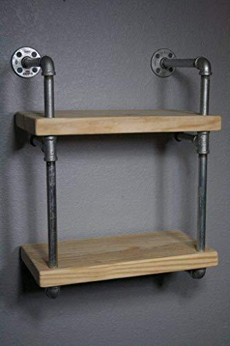 Repisa estilo industrial para pared ensamblada en tubería de hierro al carbono y madera solida entintada a mano. Cuenta con...
