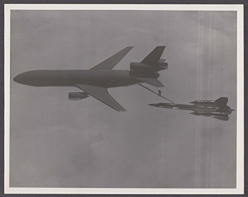 US Air Force KC-10 Extender refueling SR-71 Blackbird 8x10 photo 1980s by The Jumping Frog