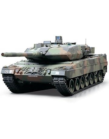 Tamiya 300056020 - Juego de construcción de maqueta de tanque Leopard 2A6 teledirigido (escala: