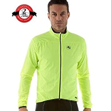 8b4cd9c34012 Amazon.com   Giordana FormaRed Carbon Compactible Wind Jacket - Men s    Sports   Outdoors