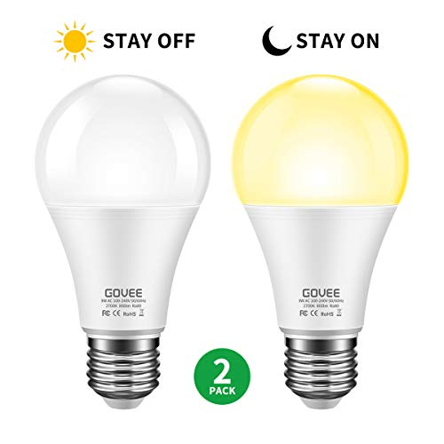 Govee Dusk to Dawn Light Bulb, 9W (70 Watt Equivalent) 800lm Light Sensor Led Bulbs, Smart Automatic On/Off, Indoor/Outdoor Lighting Bulb for Porch, Hallway, Patio, Garage 2 Packs (Warm White E26/E27)
