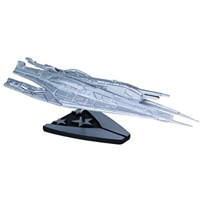 Dark Horse Deluxe Mass Effect: Alliance Cruiser Silver Plated Ship Replica, Limited Edition: Toys & Games