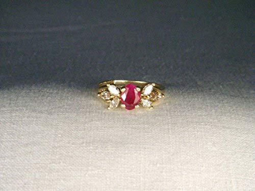 Gorgeous Estate 14K Yellow Gold Ruby Diamond Band Floral Ring
