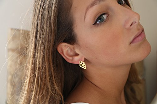 handmade-designer-14k-gold-stud-earrings-geometric-stud-earrings-with-engraed-flower