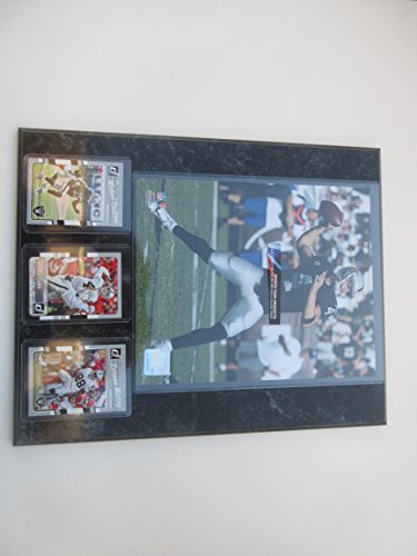 DEREK CARR OAKLAND RAIDERS ACTION PHOTO PLUS 3 PLAYER CARDS MOUNTED ON A 12