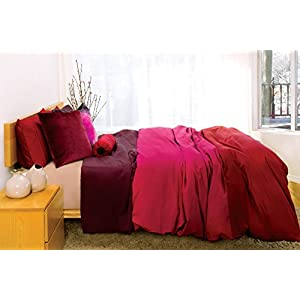 Image of 2 threads Duvet Cover in Red and Fuchsia