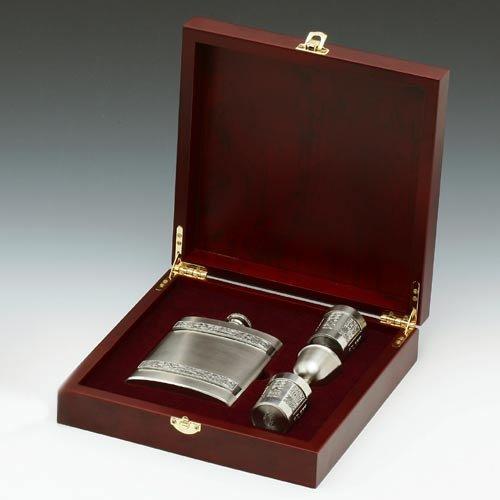 Irish 8oz Hip Flask and Shot Glasses Gift Set in a Wooden Presentation Keepsake Box by Mullingar Pewter (Set Pewter Flask)