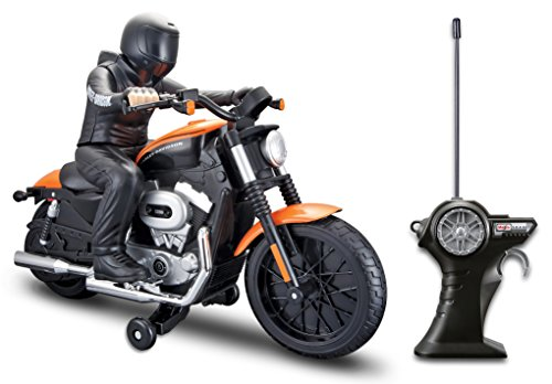 Harley Toy (Maisto R/C Harley Davidson Xl 1200N Nightster With Rider Radio Control Vehicle)