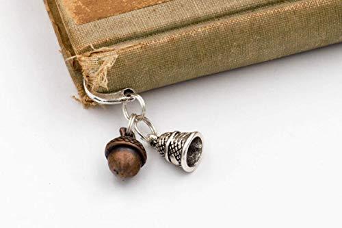 Peter Pan Kiss Bookmark with Acorn & Thimble Charms ()