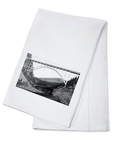 Colorado - New Eagle River Bridge near Red Cliff Photograph (100% Cotton Kitchen Towel)