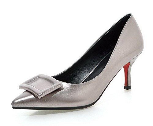 AllhqFashion Damen Weiches Material Spitz Zehe Mittler Absatz Ziehen auf Rein Pumps Schuhe Grau