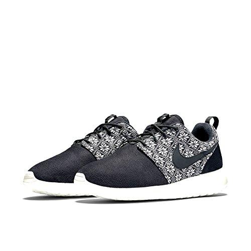 gcigy Nike Men\'s Roshe One Winter Running Shoes, Black / Grey (Black