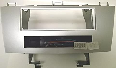 Toyota Solara (2004-2008) Single Din Silver Colored Radio Installation Package. Includes the wiring and trim (Dash Kit Solara)