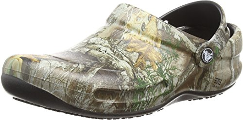 Crocs Bistro Realtree Edge Clog, Khaki/Black, 11 US Men / 13 US Women by Crocs
