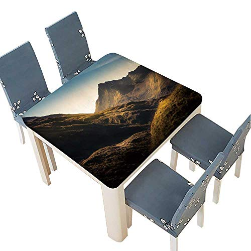 PINAFORE Polyester Mountains in Highland,Scotland Spillproof Fabric Tablecloth