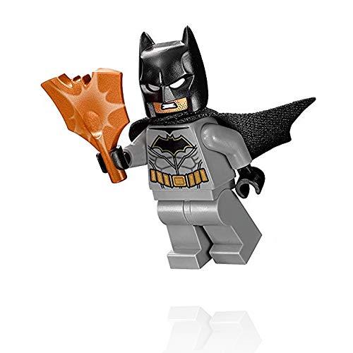 LEGO DC Comics Super Heroes Batman II Minifigure Batman with Copper Bat Shield 76111
