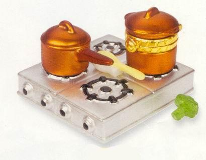 Cooktop & Copper Pot w/ Broccoli PHB
