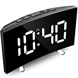 AOKIWO Digital Alarm Clock, 7 Curved Dimmable LED Screen Digital Clock for Kids Bedroom, White Large Number Clock, Snooze Function,LED Display Desk Clock, 12/24 Hour, USB Port (Without Adapter)
