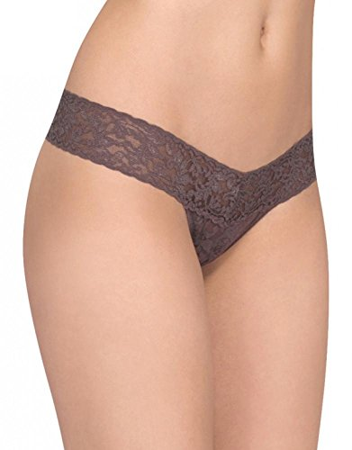 (Hanky Panky Women's Signature Lace Low-Rise Thong Panty, Cappuccino, One)