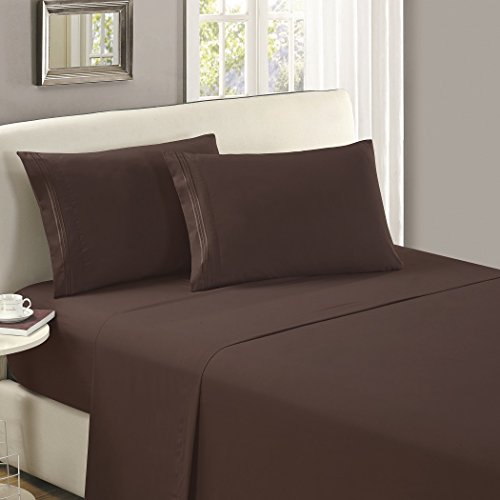 Mellanni Flat Sheet Queen Brown - HIGHEST QUALITY Brushed Microfiber 1800 Bedding Top Sheet - Wrinkle, Fade, Stain Resistant - Hypoallergenic - (Queen, Brown)